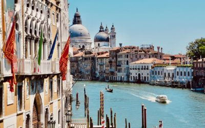 How to travel back in time? Visit Venice in 2 days